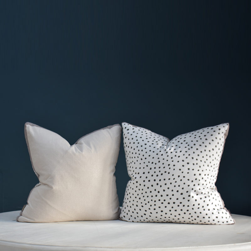 Mono sparkle cushion
